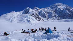 Obóz nr 1  - Ski Hill na wys. 2400m