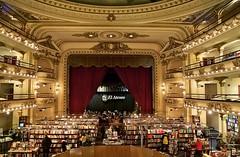 美しすぎる…死ぬまでに見たい16の本屋