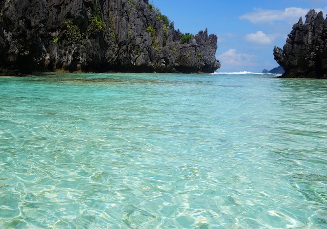 El Nido Palawan island hopping Hidden Beach crystal clear waters