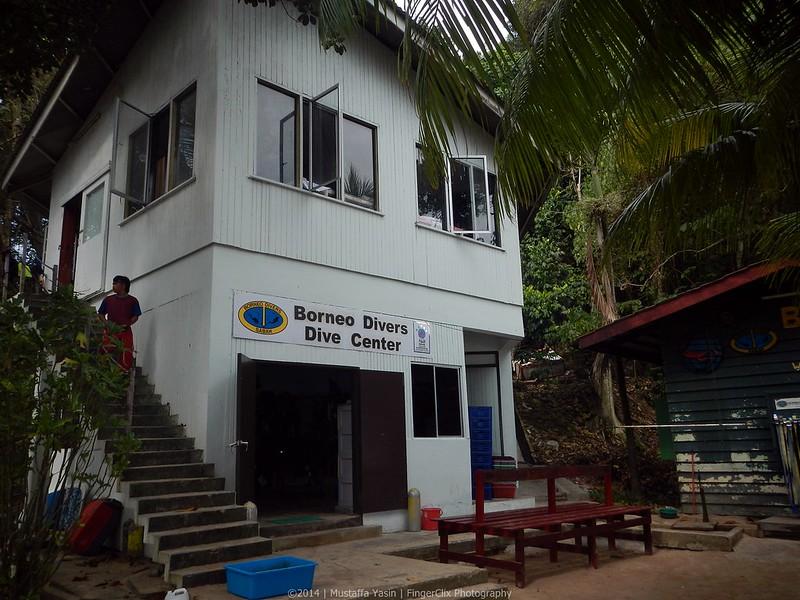 13718609125 8ea1474a40 c PADI Discover Scuba Diving Di Pulau Mamutik, Sabah