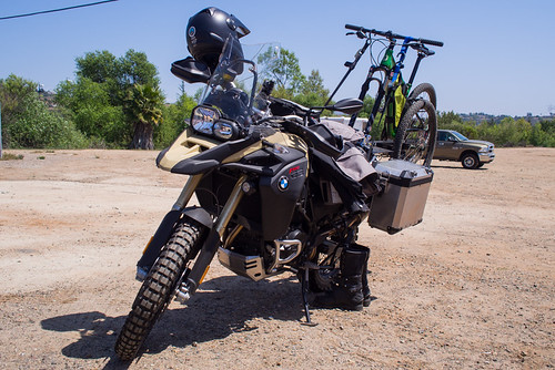 BMW GS800 Adventure with Salsa Spearfish on the back.