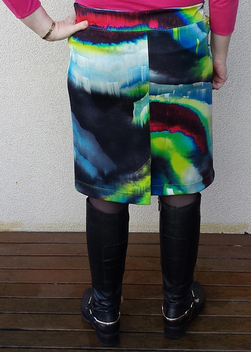 Colette Mabel skirt.  Size M hips grading to XL waist (too big).