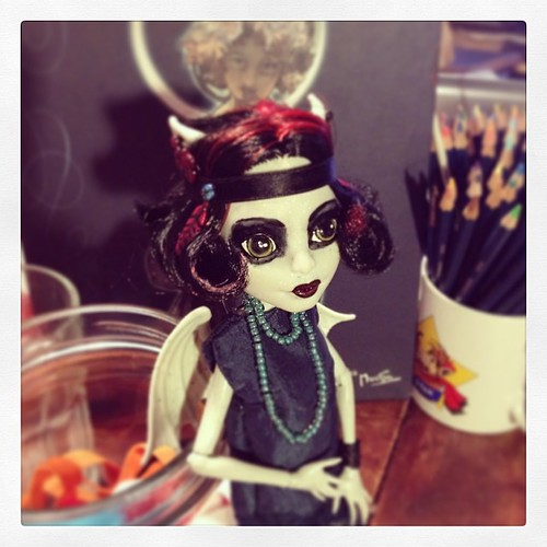 Just got her ready and omg! <3 #20sgirl #customdoll #1920s #flappergirl #monsterhigh #gargoyle #mucha #colourlove