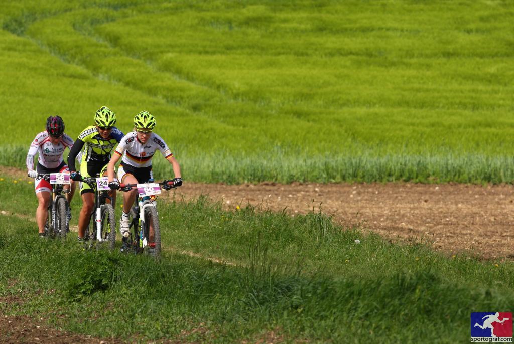 HBM14_Spitzentrio Damen_Schmidt_Landtwing_Hovdenak_by Sportograf