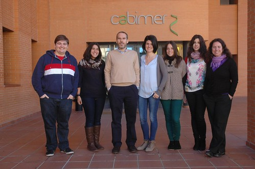 AionSur 16305220269_88cabe6d97_d Las dos revistas científicas más importantes de EEUU y España publican un artículo de una joven investigadora arahalense Educación