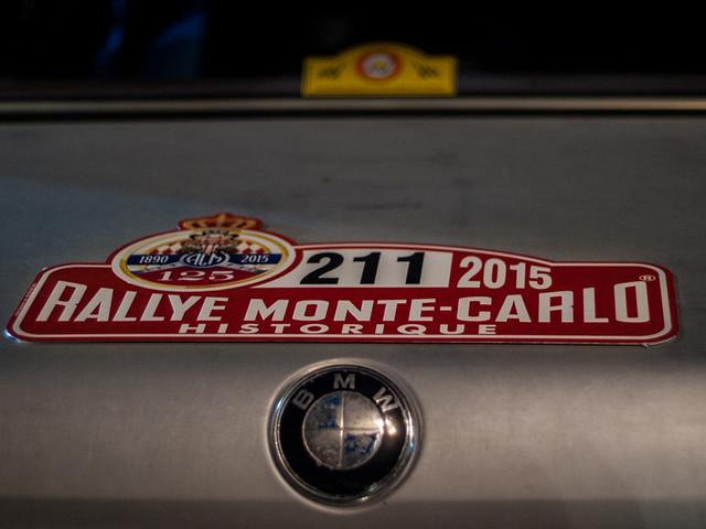 BMW Rallye Monte-Carlo Historique. Salida desde la Plaza de la Catedral de Barcelona del Rally Montecarlo de coches históricos