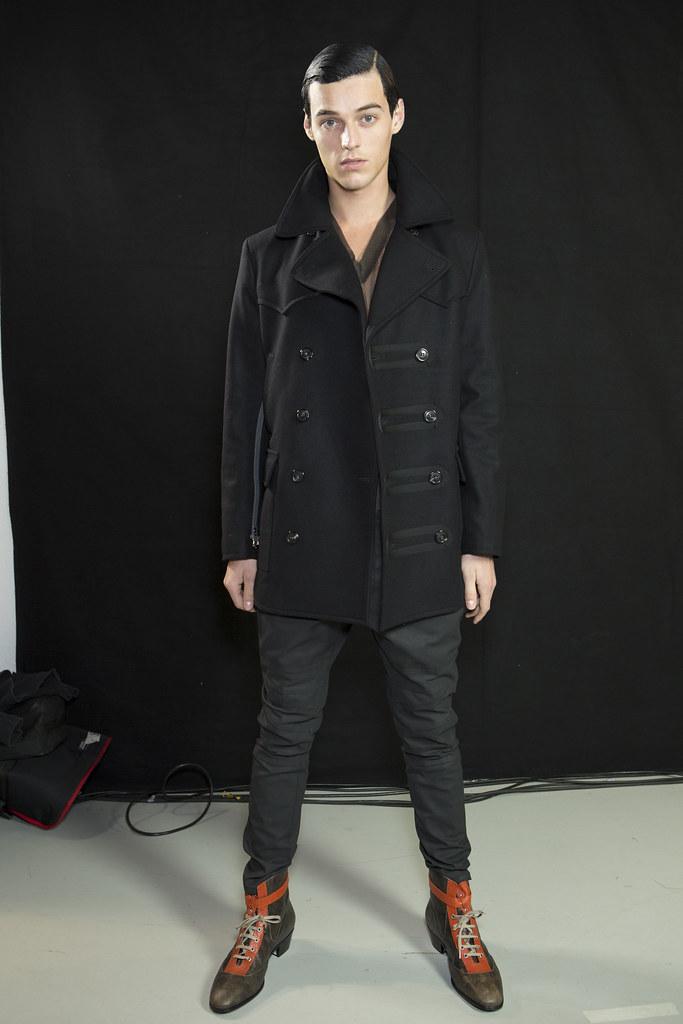 Robbie Wadge3674_5_FW14 Milan Vivienne Westwood(fashionising.com)