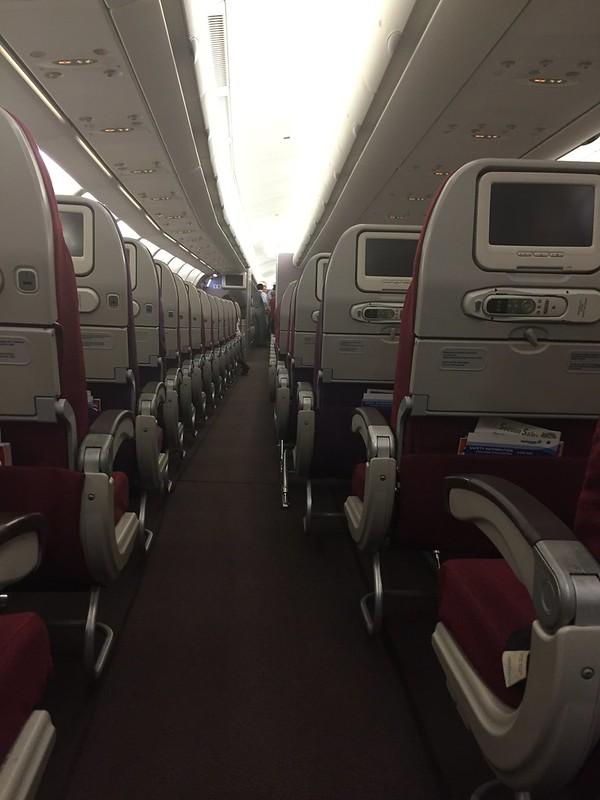 MH A330 aisle