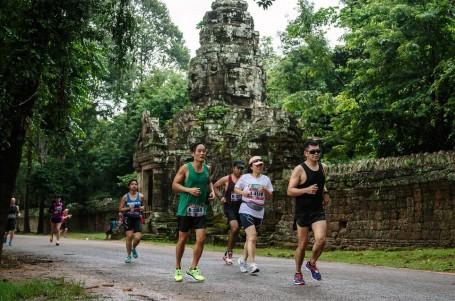 Maraton v Kambodži? Vlhko, vedro a sloni podél cesty