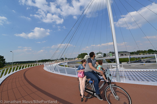 The Hovenring in Eindhoven-17