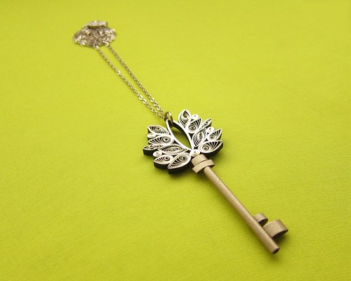 Quilled Key Pendant DIY