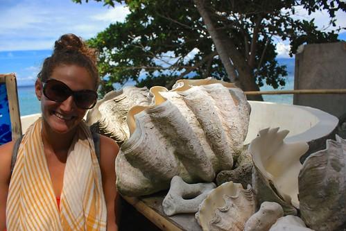 clam bigger than Lina's head