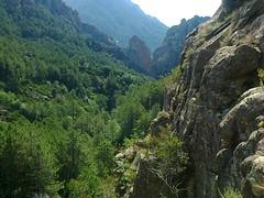 La brèche du Carciara vue depuis le col de contournement de la cascade de Frassiccia