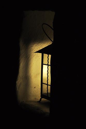 Lampe Licht und Schatten Fensternische Mauernische