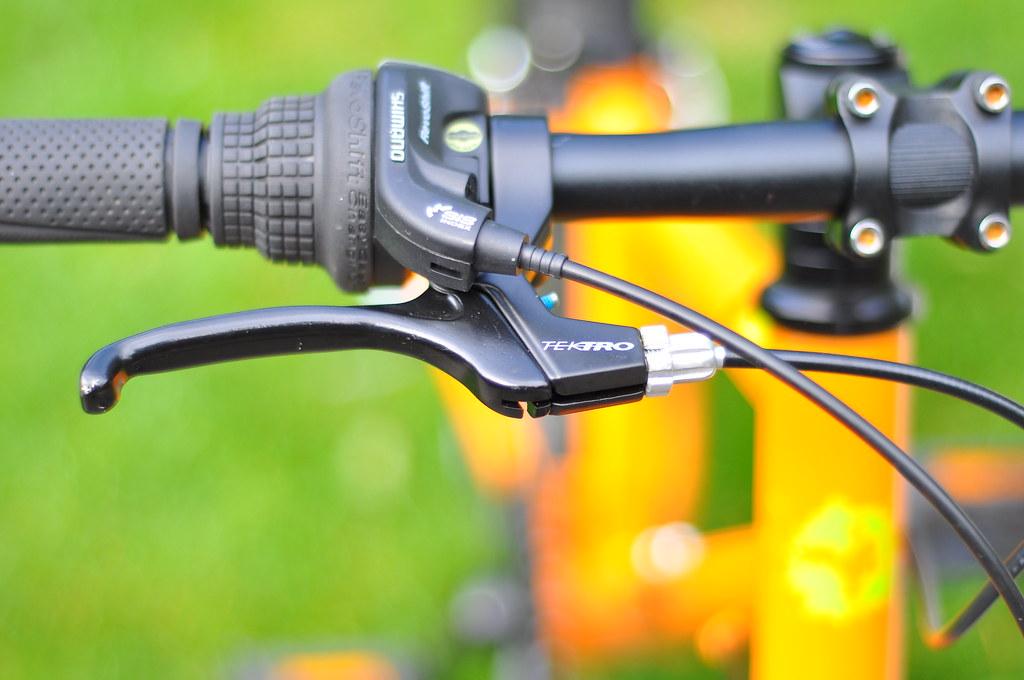 Frog 55 bike review of Shimano gears and Tektro brakes