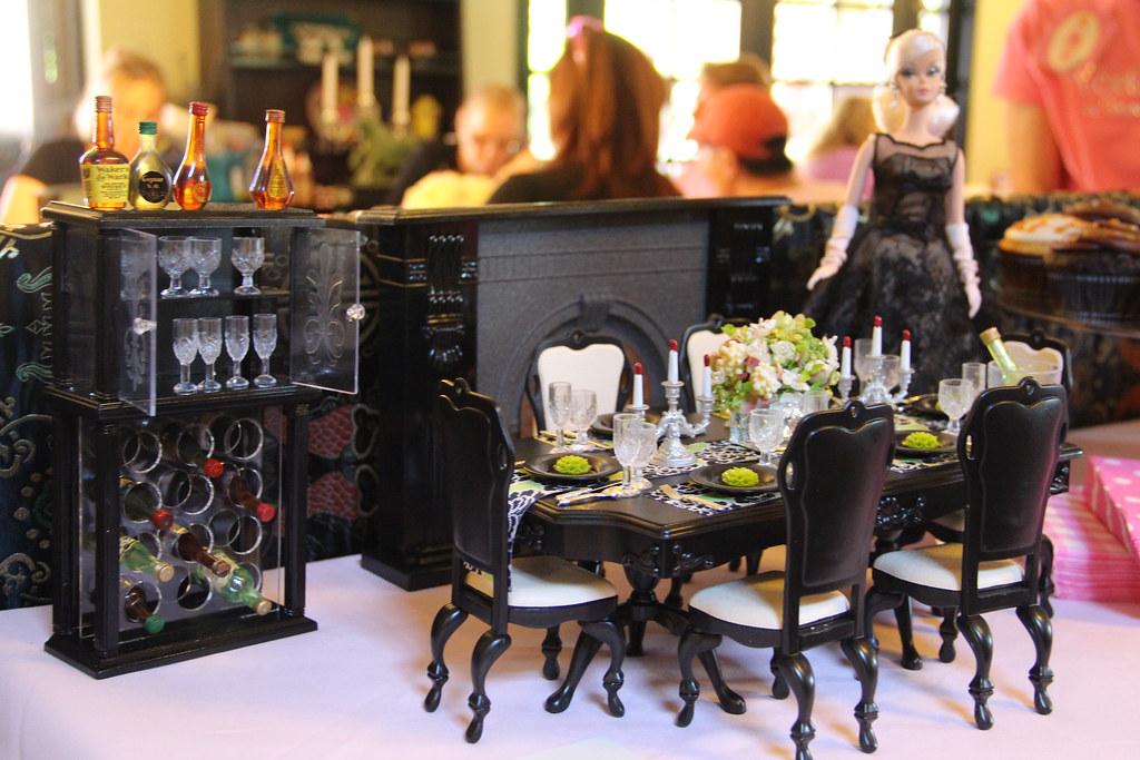 Black Gloria Dining Room Set