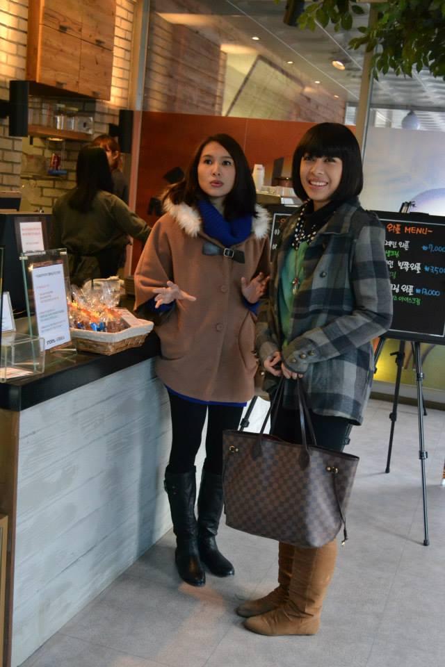Intan Ladyana & Faralyana Di Korea semasa penggambaran Drama Mencintaimu