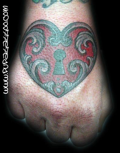 Tatuaje Cerradura Corazón. Pupa Tattoo Granada by Marzia PUPA Tattoo