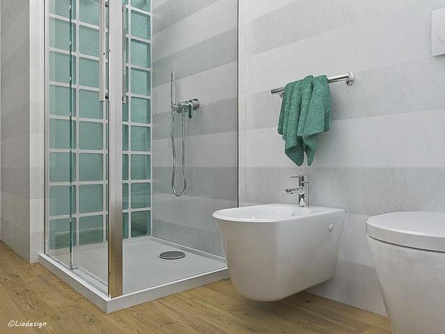 Un bagno lungo e stretto no due aiuto arredamento bagno - Box doccia vetrocemento ...