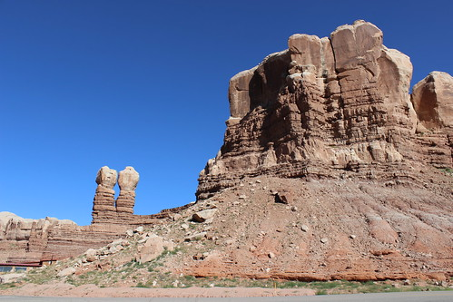 IMG_2749_Navajo_Twins_in_Bluff_Utah