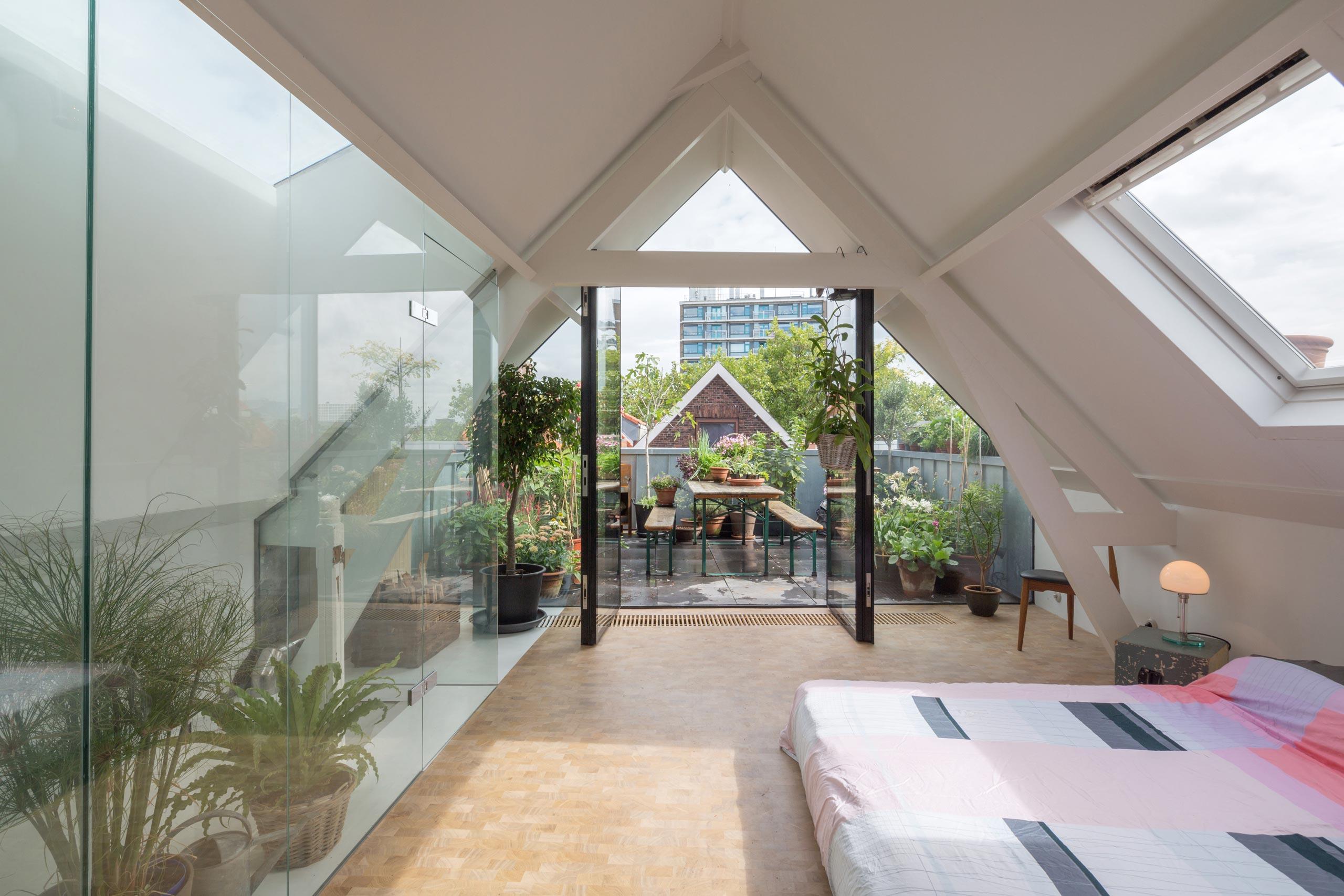 Slaapkamer Deuren : Loftwoning Delfshaven // slaapkamer met ...