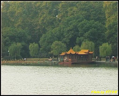 杭州 西湖 (其他景點) - 213 (從白堤上的孤山旁望北山路 白堤結束點 西冷橋旁的湖畔)