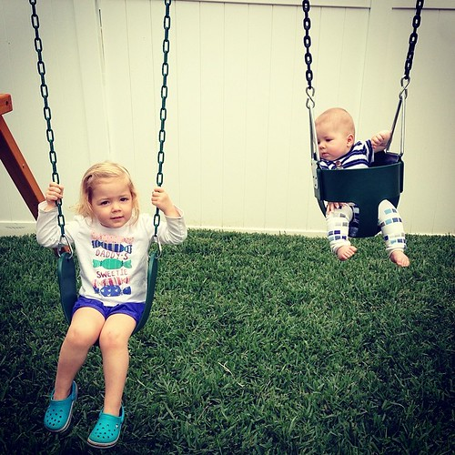 Easter Sunday swinging. #kylerspark #kenleydee #crosbymartin