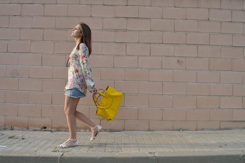 lara-vazquez-madlula-blog-flowers-yellow-spring-inspi