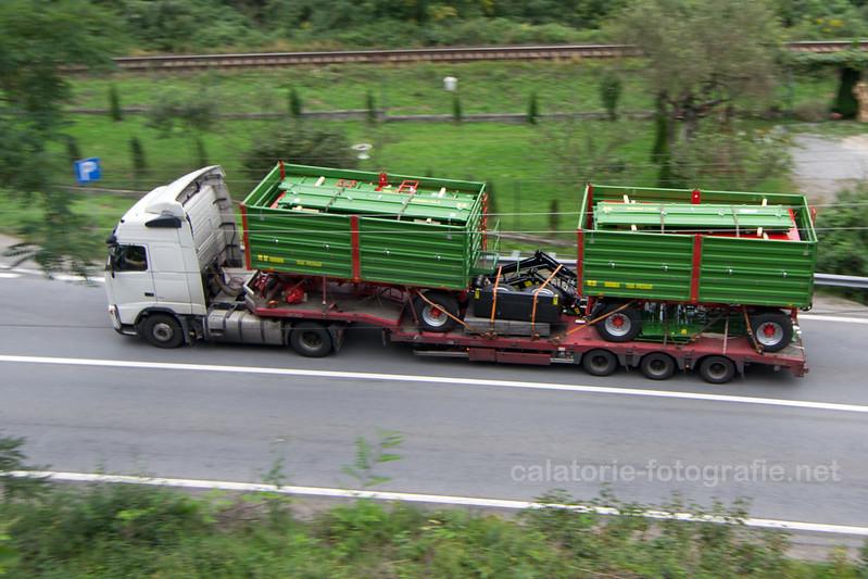 Ciucea - Fotografiind TIR-uri in viteza pe drumul european E60 15776125094_36655f24b3_c
