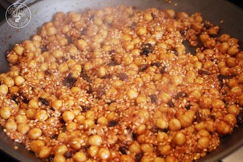 Arroz al horno con garbanzos y pasas www.cocinandoentreolivos.com (13)