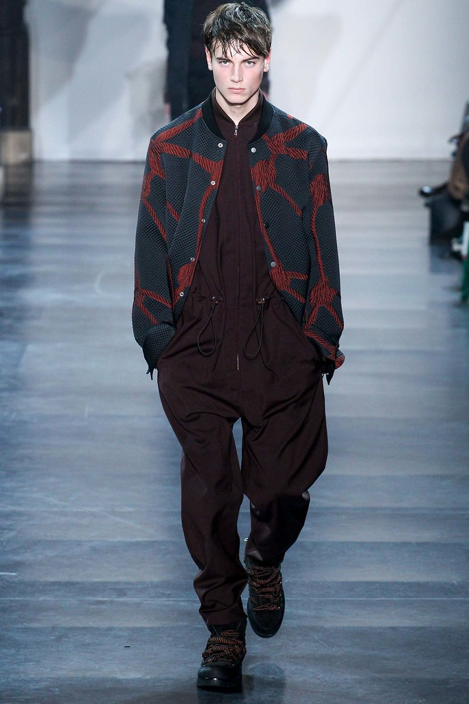 Eduard Badaluta3031_FW15 Paris 3.1 Phillip Lim(VOGUE)