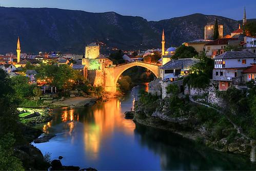 bridge river mostar bosnia bluehour neretva hercegovina bih bosnie