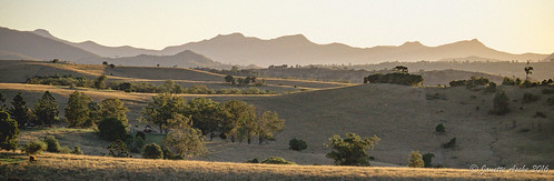 light panorama rural evening shadows oz pano australia farmland ridge qld queensland aussie ridgeline lateafternoon 2016 mainrangenationalpark scenicrim jacksplace seqld sonya6000 colesfauxfilmpreset