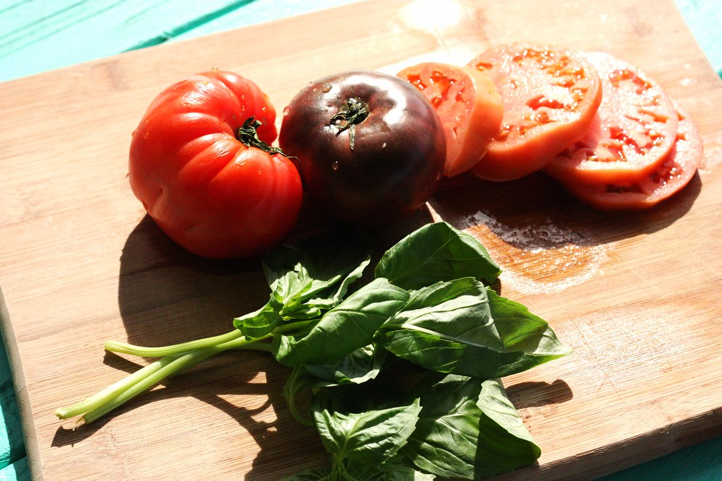 Garden Eating:Vegan Caprese Salad