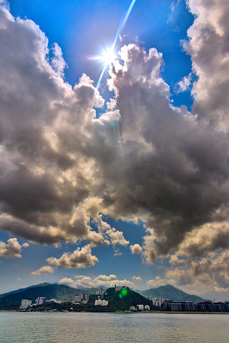"""???? ???? Moments of sunshine amongst puffy clouds"" / ? Serenity HDR / SML.20130509.6D.05631_2_3.HDR.P1.L1"