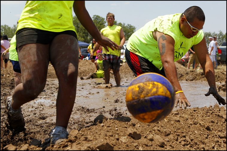 MudVolleyball09