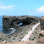 澎湖小門嶼玄武岩地層與海蝕洞。(圖片來源:林務局)