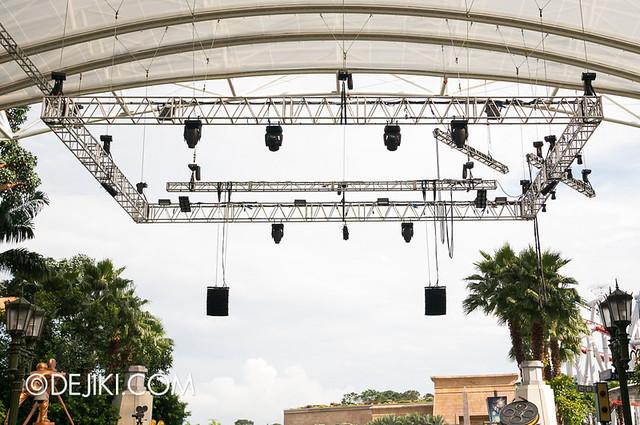 Universal Studios Singapore - HHN3 Light Fixtures at Hollywood