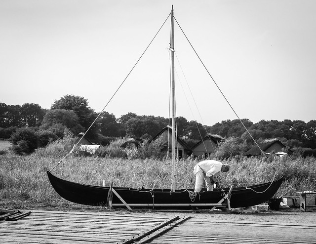 Header of boatbuilder