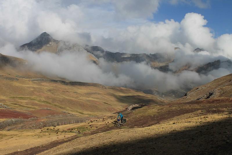 Descending from Punta Chucopampa