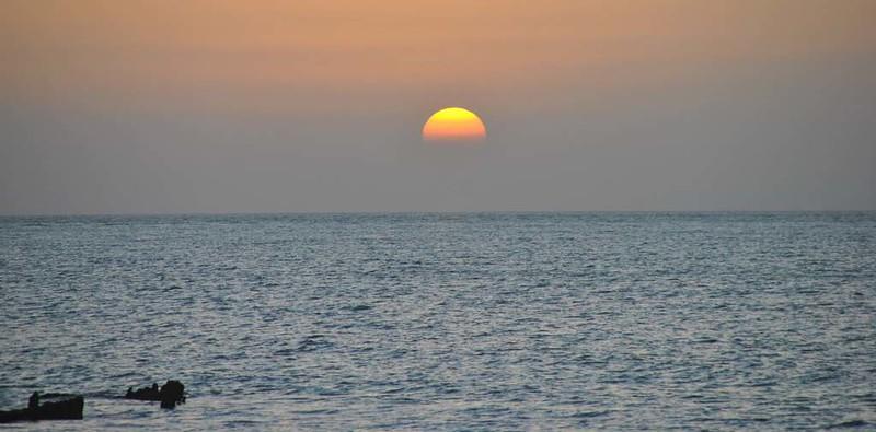 85 atardecer En la Isla de Hengam (25)