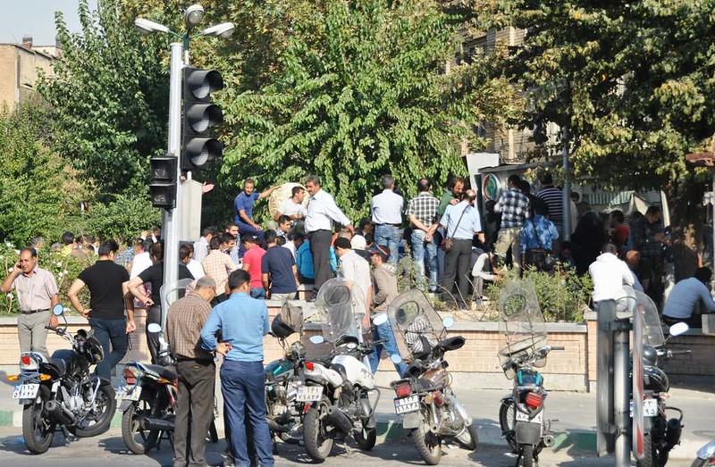 318 plaza de cambio de divisa en Teheran