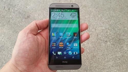 HTC One M8 ด้านหน้า