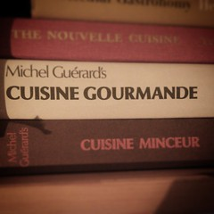 Was only looking at these books yesterday, then the man himself followed, hi @michelguerard