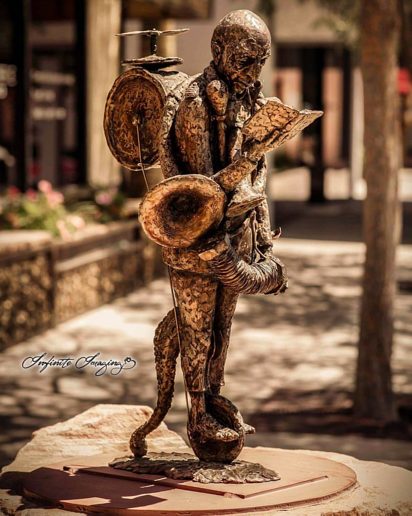 The Man of Music #infiniteimaging #music #man #statue #cre