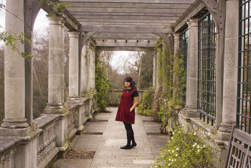 pergola hill, pergola hill garden, hampstead heath, pergola hill hampstead heath, beyond retro, pinafore, cord pinafore, corduroy pinafore, maroon vintage pinafore, vintage london, london, london blogger, north london blog