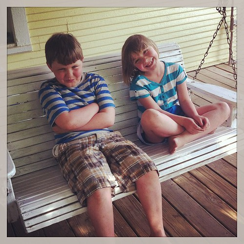 Blue striped cuties. #lifeatwewillgo #siblings #childrenareablessingfromthelord #ilovethesekids #blessed #blueandwhite #stripes