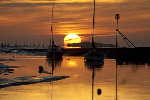 sunset england sky sun reflection water weather silhouette boats golden europe day britain scene clear explore shore sail bouy masts wirral heswall buoyant 100commentgroup bestcapturesaoi elitegalleryaoi mygearandme mygearandmepremium