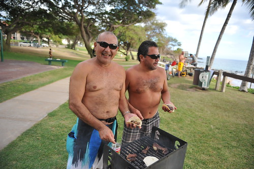 2013_BOM_kam-iii-best-bbq-beach_D73_8196_by-Sean M. Hower (c)