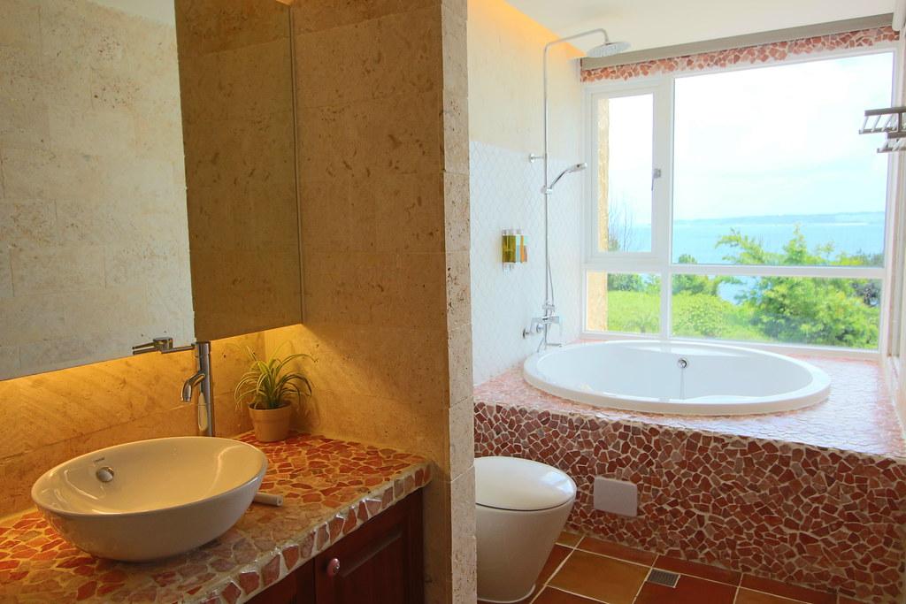 二樓浪漫海景雙人房衛浴IMG_1072